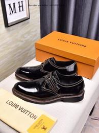 3e06755d La mejor marca de zapatos de vestir formales para hombres suaves Negro de  cuero genuino Little Bee Toe de los hombres de negocios Oxfords Casual