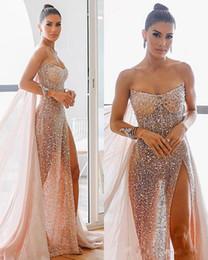 Sexy sehen durch roben online-Arabische Luxus Pailletten Prom Kleider Sexy High Side Split Mit Wrap Durchsichtig Illusion Abend Formale Party Kleider Robes De Soiree
