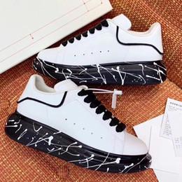 Zapatillas pintadas online-Zapatos de diseñador de gran tamaño para hombre Graffiti de la mejor calidad Zapatos famosos de lujo para mujer Zapatillas de diseñador de fiesta Paris Con suelas anchas pintadas