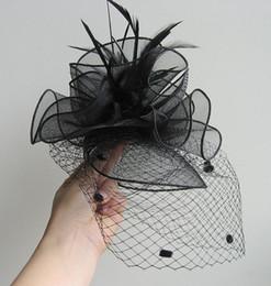 Britischer kleiner hut online-Braut Retro britische Dame-elegante Cheongsam Abendessen Mesh-Schleier Kopfschmuck Feder Catwalk Small Black Hat-Frauen