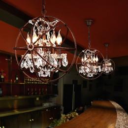 candelabros en forma de bola Rebajas Nordic Industry Retro Rust Iron Lámpara colgante K9 Cristal Bola de hierro Forma Lámpara Vintage Loft American Vintage País Lámpara colgante de luz