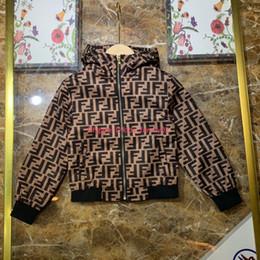 2019 roupas de trabalho Outono novo menino jaqueta crianças roupas de grife com capuz tecido jaqueta de desgaste anti-estático resistente ao desgaste algodão menino casaco de notícias roupas de trabalho barato