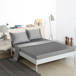 Lenço de cama duplo branco on-line-HM Life cetim liso lençol fronha conjunto de cama conjuntos preto cinza branco 4 pcs sólido adulto Twin Queen completa cama King Covers