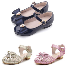 2019 lindas zapatillas negras 2019 nuevos zapatos corrientes de producto para los zapatos de la niña del negro blanco rosado azul oscuro calzado deportivo de moda zapatillas de deporte lindas chicas rebajas lindas zapatillas negras