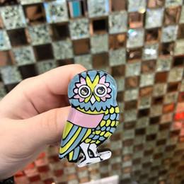 Doni gufo per gli uomini online-Unisex uomo donna moda pin spilla in resina colorata cz gufo spilla pin per le donne degli uomini per la festa nuziale bel regalo