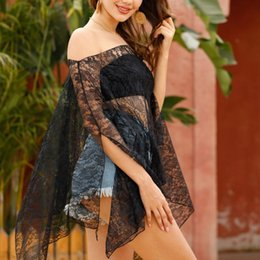 Pizzo raccolto superiore casuale delle donne del vestito online-Fuori-spalla Beach Cover Up Crop Tops Women Lace Tie-Dry Bikini Covers Saida De Praia Hollow costume da bagno casuale Beach Dress