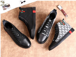 2019 halb lässige kleider Luxus Männer Schuhe Schwarz Müßiggänger Leder Männer Marke Freizeitschuhe Komfortable Frühling / Herbst Mode Atmungsaktive Männer Schuhe