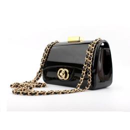 2019 верхние концевые муфты Высококачественные модные брендовые дизайнерские женские сумки Женские акриловые сумочки с зеркальной цепью на плечо Мини-клатч вечерняя сумка 17.5 * 11 дешево верхние концевые муфты