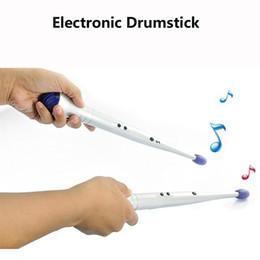 presente novidade eletrônica Desconto Brinquedo Eletrônico Musical Baqueta Novidade Presente Brinquedo Educativo para Crianças Criança Crianças Baquetas de Percussão A Dedo do Ar Elétrico Dedo DHL