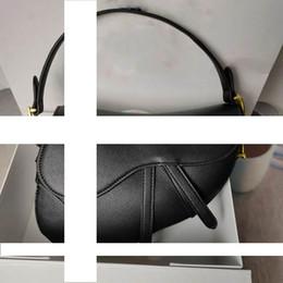 2019 меховые сумки из искусственного меха 2020 Новой мода классических дам плеча сумка седла мешка металла способ письмо сумка стиль удивительные аксессуары