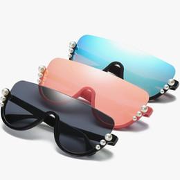 2019 perlenschatten Frauen Sonnenbrille Perle Dekoration Sonnenbrille Kreative Dame Halbbild Einteilige Schutzbrille Coole Weibliche Reise Shades Brillen YFA799 günstig perlenschatten