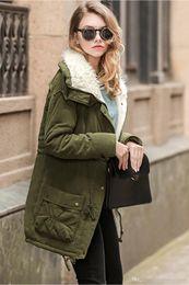 Verde parka delle donne online-Giacca Army Green inverno donne Womens Parka Nuovo Inverno casuale Outwear cappotto di pelliccia donne del cappotto Manteau Femme donna Abbigliamento FS1915
