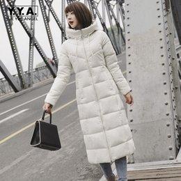 maxi invierno plus abrigos mujer Rebajas Invierno blanco gris con capucha larga chaqueta de las mujeres más el tamaño 6XL caliente grueso capa ocasional abrigo rompevientos Cap Maxi Parkas Jaqueta