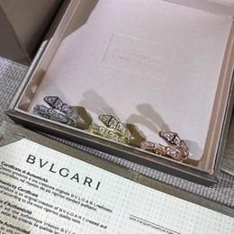 Tamaños de formas de diamante online-Venta caliente real 925 anillo de la venda de la forma de la serpiente de plata con diamantes amantes anillo tamaño para mujeres regalo de la joyería PS7620