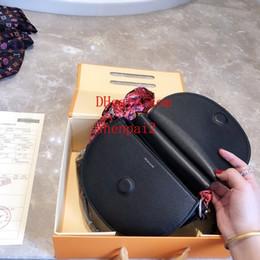 Amuletos de silla online-2019 Nuevos bolsos monederos mujeres bolso de hombro de alta calidad moda clásica encantadora elegante bufanda bolsa de sillín