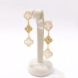 Fashion Design Ciondola gli orecchini Womens Luxury Flowers Charms Orecchini Ladies Brand Orecchini in oro Gioielli raffinati Sweetheart Gifts da