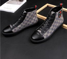 pelle nera foto Sconti Stampa scarpe casual da uomo alte scarpe moda coreana alta moda rosso netto con scarpe da uomo 43