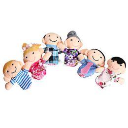 juguete de tela para niños Rebajas 6 unids / lote Finger marionetas de la familia Set Baby Kids Plush Cloth Play Game Aprender historia educativa marionetas de mano juguetes para niños