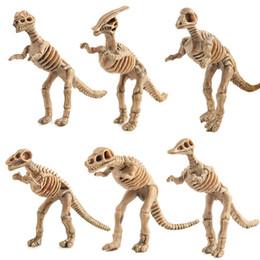 2019 conjuntos de brinquedos de dinossauro de plástico Dino fóssil de dinossauro Modelo Presente Toy Educacional plástico Crânio do dinossauro Decoração 12pcs / set desconto conjuntos de brinquedos de dinossauro de plástico