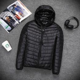 Otoño invierno CALIENTE para hombre Ligero delgado con capucha abajo chaqueta de pie Abrigo con cremallera masculino Color sólido Tamaño grande outwear 5XL Parkas desde fabricantes