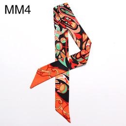 Attacher des foulards aux femmes en Ligne-Étroite Longue Écharpe Géométrique Fleur Impression Mode Femme Cravate Sac Poignée Ruban Bandeau Châle Écharpe Foulard Foulards Bracelet Bracelet