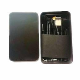 Kits d'outils techniques en Ligne-Mac / Kylie poudre de fond de teint poudre de maquillage blush pinceaux de maquillage haute technologie composent des outils 12pcs / ensemble