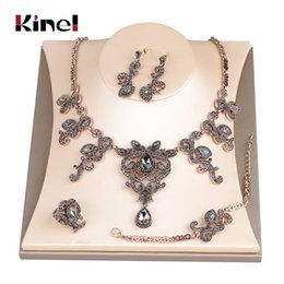 Joyas antiguas de oro únicas online-Kinel Hot Unique Gray Crystal Wedding Jewelry Set Antique Gold Turkey Flower Pendiente Collar Pulsera Anillo Para Las Mujeres Amor Regalo