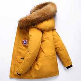 jaqueta de trabalho de inverno Desconto Upset Fake Fur Collar de Down Jacket Men Parágrafo Curto trabalhar ao ar livre Frock Grosso Casaco de Inverno amantes da moda Tooling Winter Fashion Brasão