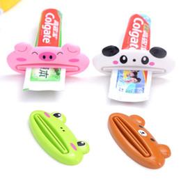 Strizzatore tubo pasta online-1pcs Animal Facile dentifricio Plastic dentifricio tubo dentifricio Squeezer Utile Supporto di rotolamento per la casa Bagno