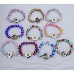 kinder perlen armbänder Rabatt 20 teile / los Mix Farben Mode Kinder Mädchen 15 CM Länge Handgemachte Glasperlen Noosa Chunks 18mm Druckknopf Armband