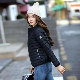 casacos femininos europa Desconto Autumn Europa Inverno e América Moda curtas estilos jaqueta de beisebol Brasão mulheres magras fêmea claro Cotton Padding Mais de Coats Tamanho 3xl