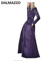 Abrigo largo de terciopelo púrpura online-Womans Noble Elegante Abrigos largos de terciopelo púrpura 2018 Invierno Más nuevas mujeres del diseñador Bolsillos de manga larga Slim Windbreaker Coat Femme