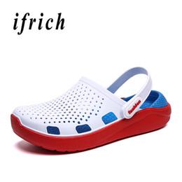 Diseñador Verano Hombre Sandalias Para Jardín Transpirable Hombres Agujero Zapatos Azul Marino Blanco Masculino Sandalias de Playa Zapatillas Super Light desde fabricantes