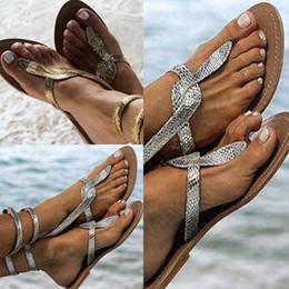 Zapatos casuales mujer cremalleras online-Sandalias de mujer Sandalias de gladiador de serpiente Zapatos de verano ocasionales femeninos con cremallera plana más el tamaño 35-43 Zapatos de playa