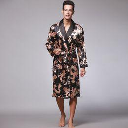 Langärmelige nachthemden online-2019 Frühling und Herbst neue langärmelige Paar Nachthemd Männer Bademantel Seide hochwertige Pyjamas Herrenbekleidung Drachenroben