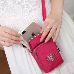 Argentina 2019 moda caliente colgando cuello bolsa de muñeca corriendo vertical mini bolso del teléfono móvil bolsa de mensajero femenino cheap vertical phone Suministro