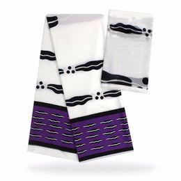 Encaje blanco estampado africano online-4Yards Moda fondo blanco estampado en púrpura tela de encaje de seda africana audel.modell y 2Yards bufanda de gasa para el vestido VS26-1