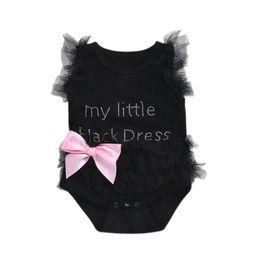 Платье девочка ребенок черный розовый онлайн-Новорожденные ребёнки Bodysuits Мода Вышитые кружева My Little Black / White / Pink Dress Letters Младенческая младенца Bodysuit Rompers