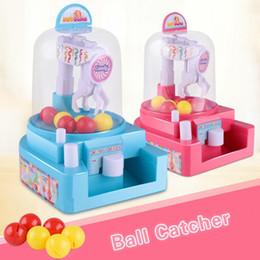 Mini Bolas Candy Catcher Máquina Um Bonbon Set Brinquedos Garra Da Guindaste Bolas De Boneca Apanhador Brinquedos para Crianças Presentes Precoce Brinquedos Educativos supplier candy machine toys de Fornecedores de brinquedos de máquina de doces