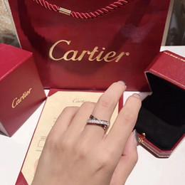 2019 ninho de presentes 2019 Novo anel das mulheres Anéis Das Senhoras moda charme Micro-inlay alta broca de carbono em 925 prata esterlina