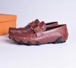 2019Hot! Lujo más nuevos hombres de moda de metal bordado zapatos de flores zapatos formales del hombre para el regreso al hogar zapatos de boda desde fabricantes