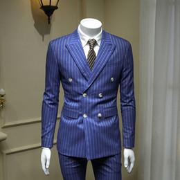 blazer blu cielo per gli uomini Sconti XM GEEKI Europeo e Americano Gentleman Sky Blue Doppiopetto Abiti da uomo Abito da lavoro britannico Tuta a righe Blazer 365wt43
