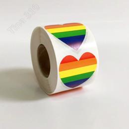 chinesische wandschnitzereien Rabatt Eine Rolle mit 500 Regenbogen-Aufklebern LGBT-Aufklebern Gay Pride Rainbow Heart-Aufkleber für Haushaltsgegenstände T3I5084