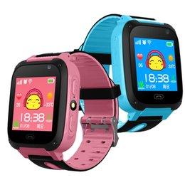 Детский телефон Smart Color Watch GPS Tracker 2 Way Call SOS Анти-потерянный наручные часы Подарок 1.54-дюймовый сенсорный экран Детские часы cheap child sos phones от Поставщики детские сосковые телефоны
