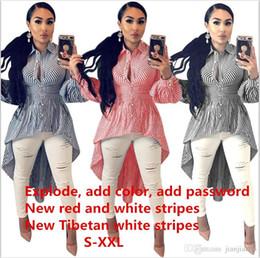 2019 swing bianco P8134 modelli esplosione Europa e Stati Uniti autunno e l'inverno delle donne calde blu e bianco a strisce camicia lunga sci altalena irregolare swing bianco economici