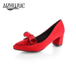 Дизайнерские туфли AIZHUJUE Новое поступление Винтаж Мэри Джейн Женщины Инсульт Дизайн Леди Med Heels Туфли на высоком каблуке Острым носком Туфли на толстом каблуке от