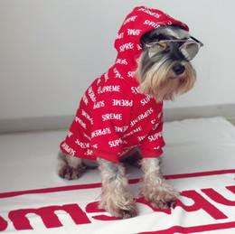 2019 roupa do cão para fêmeas frete grátis Pet Completa Letra S Hoodies Popular Logotipo Vermelho Jubilant Pet Roupas Cão E Gato Filhote de Cachorro Outono Inverno Desgaste Do Ano Novo Grosso Desgaste Do Animal de Estimação