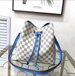 Catena del faux online-2019 Hot venduti Designer Borse Womens Designer Luxury Crossbody Borse Borse a tracolla femminili Catena in pelle Designer di lusso Borse Borse E47