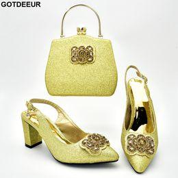 mulher sacos sapatos italia Desconto Últimas mulheres africanas sapatos e saco conjunto decorado com strass mulheres sapatos e saco conjunto na Itália designers de luxo