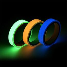 Nastri luminosi online-Glow Tape Sticker Fluorescente luminoso 3mx10mm fai da te porta a muro scale finestra avviso di sicurezza autoadesivo in striscia scura di notte